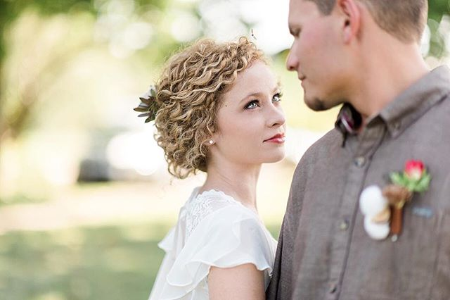 When I saw you I fell in love, and you smiled because you knew. – William Shakespeare . 📷 @laura_hamon_photography