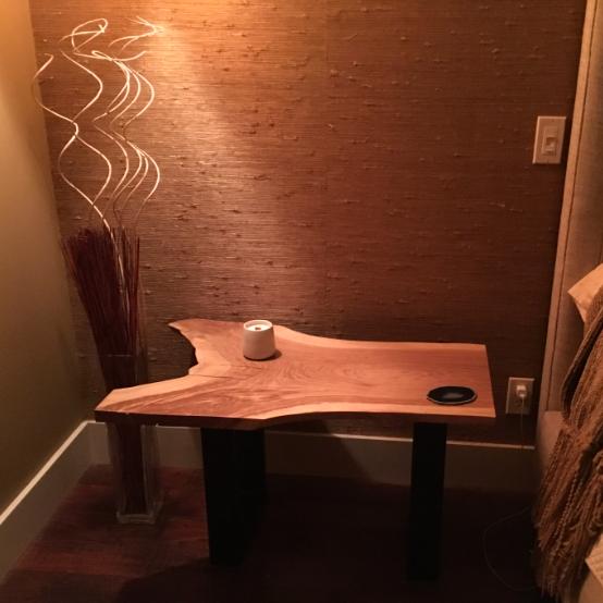 'Ackley' Oak Bedside Table