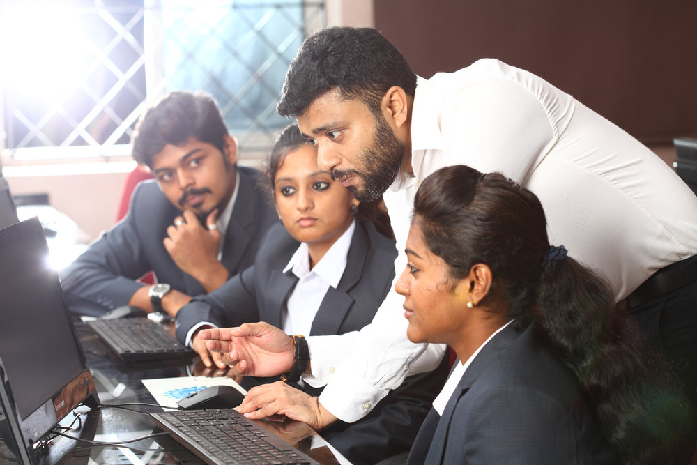 SOFTWARE LAB : Technical proficiency in Report preparation, Analytical skills in EXCEL and SPSS are imparted