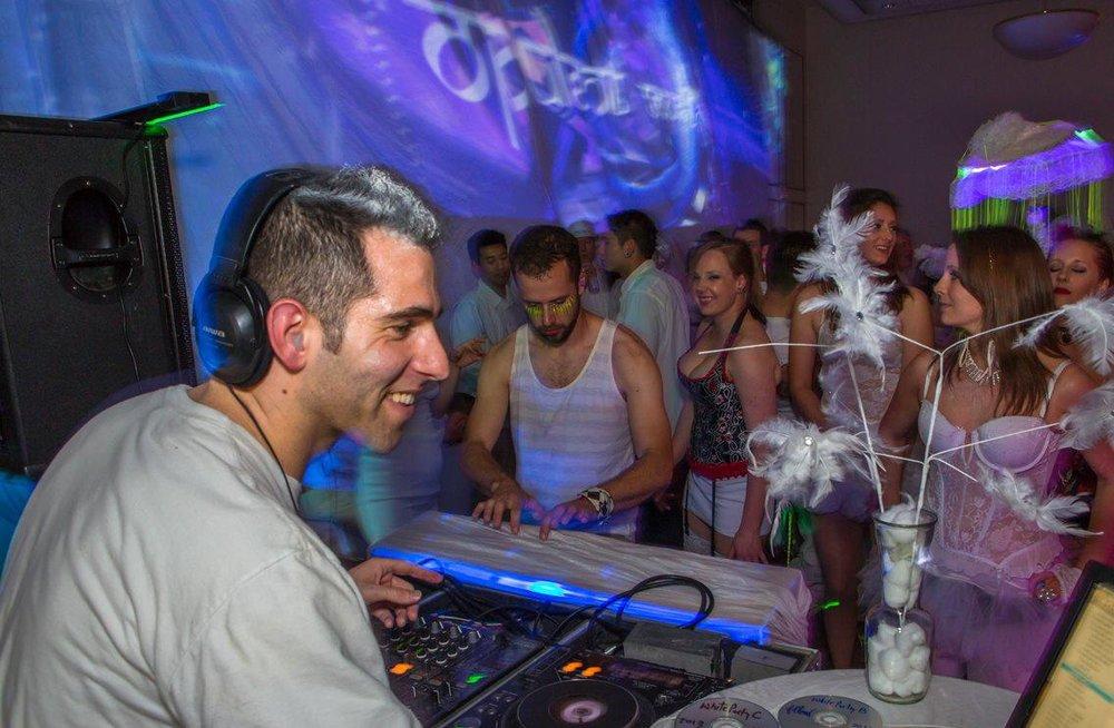 Fllow White Party.jpg
