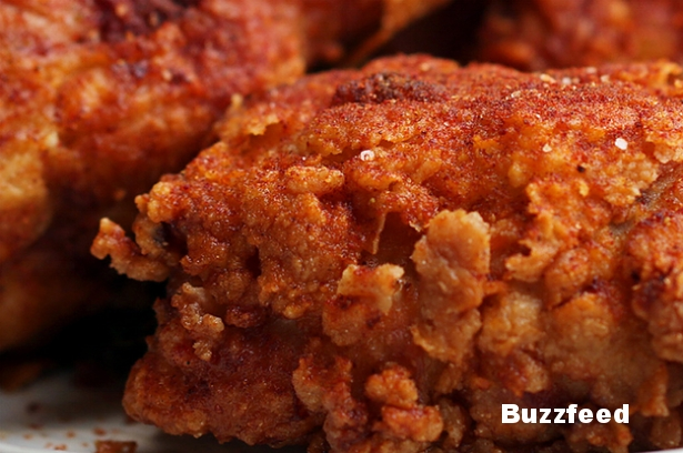 marcus-samuelsson-made-us-fried-chicken-and-it-wa-2-8800-1476984469-3_dblbig.jpg
