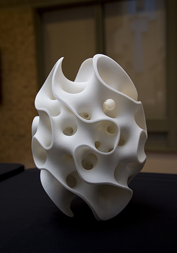 3D printed sculpture created by Lars Jacquemetton