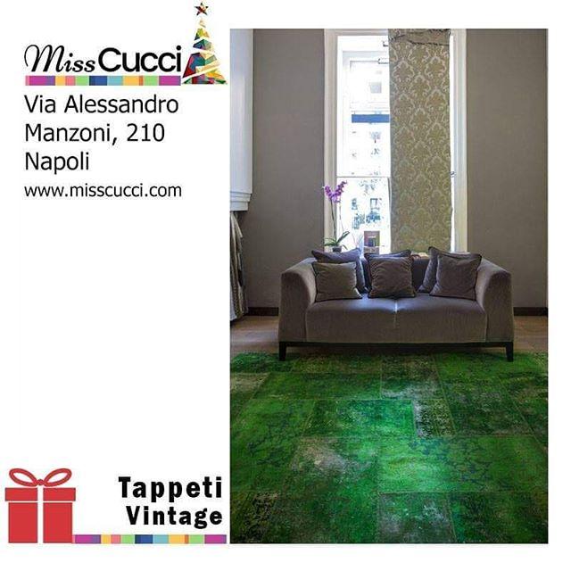 La magia del Natale è nella tua casa!  #tappetovintage #vintage #home #interiordesigner #rugs #carpets #tappeto #green #designlover #homedecor #instarugs #ideeregalo #misscucci #shoponline