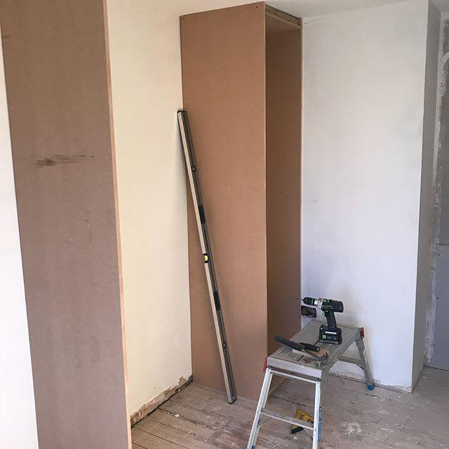 Custom built wardrobe/ dressing area completed earlier in the year, nice to see the customer pictures once they have moved back in a making full use of the space