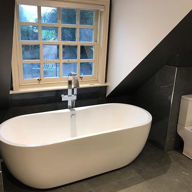 A bathroom refurbishment we recently completed, earlier in the year we also completed a new kitchen installation at the same property