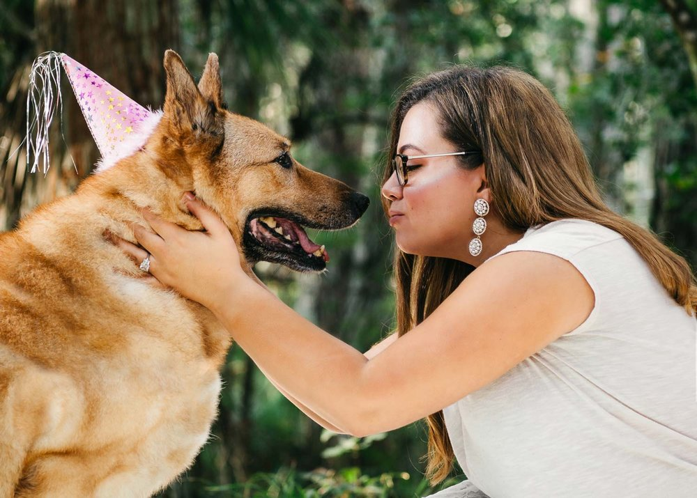 Outdoor-portrait-of-a-woman-and-her-dog-taken-by-Orlando-Pet-Photography.jpg