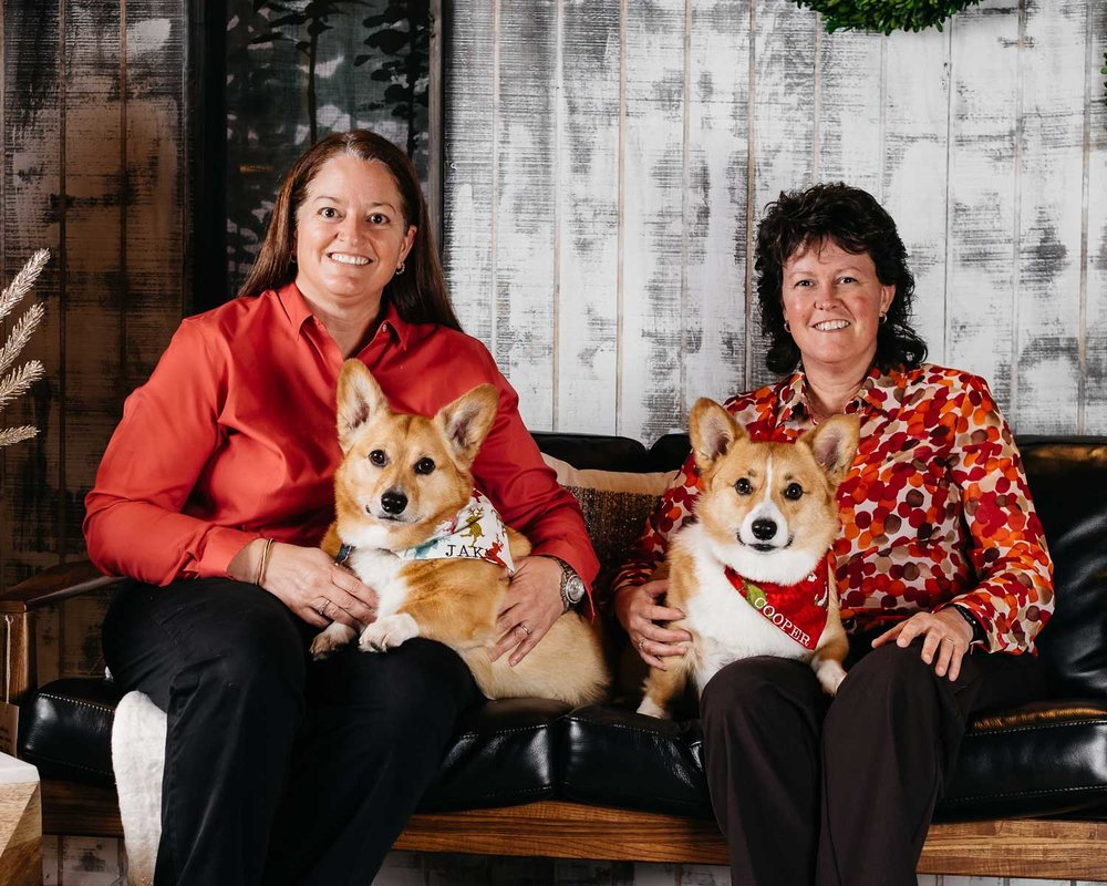Pet-photography-showcasing-a-two-women-and-their-corgis-taken-by-Orlando-Pet-Photography-in-Orlando,-FL.jpg