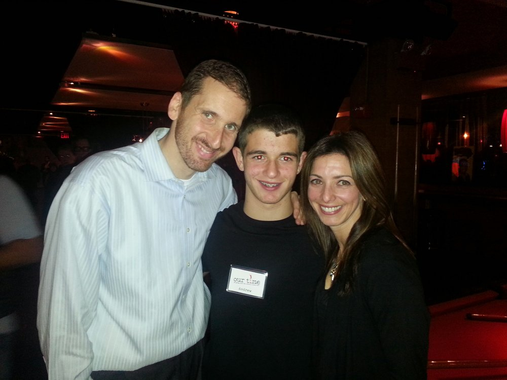 Andrew, Tammy (mom) and Uri at Paul Rudd Bowling Event for Stuttering Assoc. for the Young (2013)