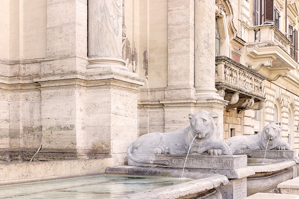 DELL'ACQUA FELICE FOUNTAIN • Rome