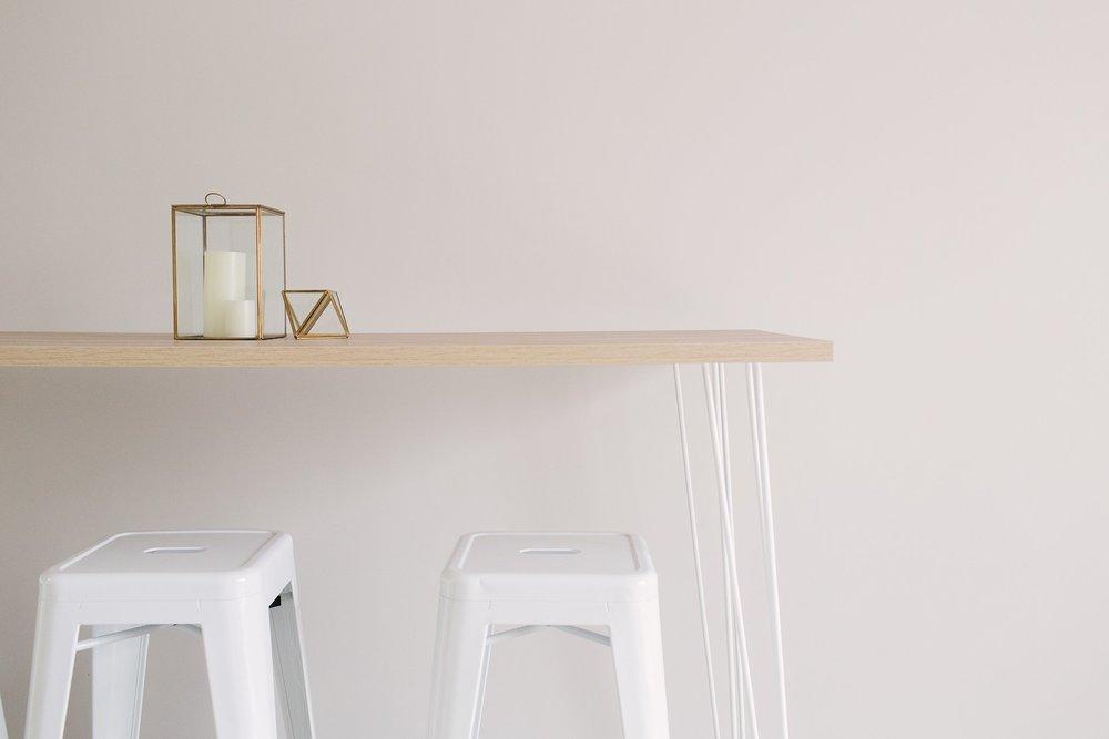 003_hairpin-stools.jpg