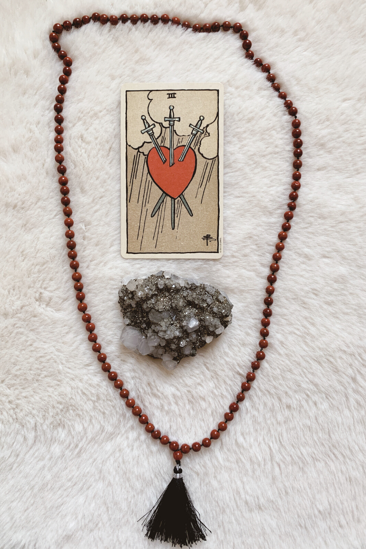 Three of Swords: Predictive Tarot Card Meanings — Lisa Boswell