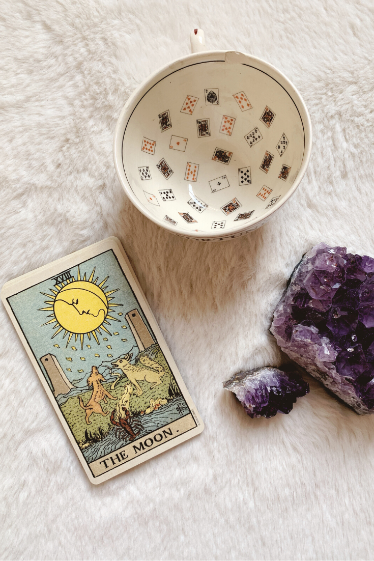 The Moon: Predictive Tarot Card Meaning — Lisa Boswell