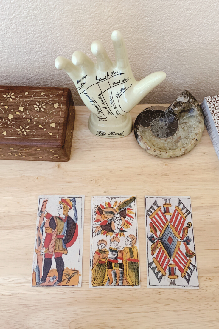 How to Use Tarot for Prediction — Lisa Boswell