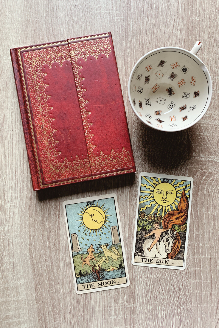 Meanings of Animal Symbols on Tarot Cards — Lisa Boswell
