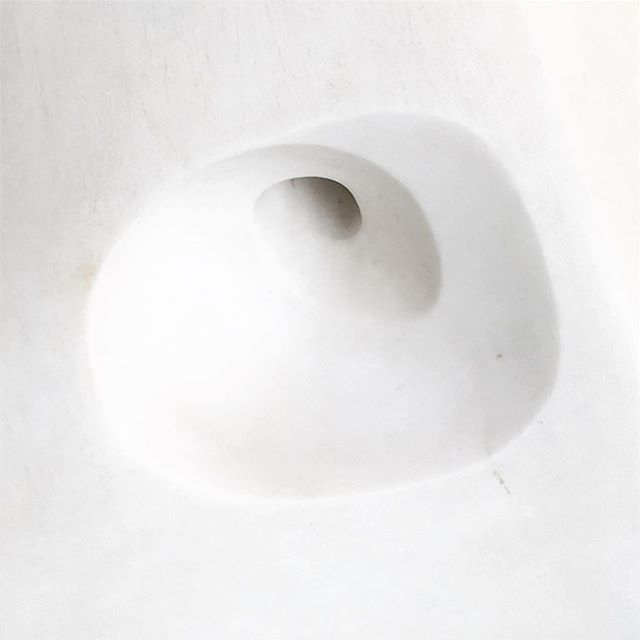 Beautiful carving of Barbara Hepworth Pastorale 1953 - Kröller Möller . . . #shapes #carving #marble #krollermuller #productdesign #sinkhole #design #spiral #sink