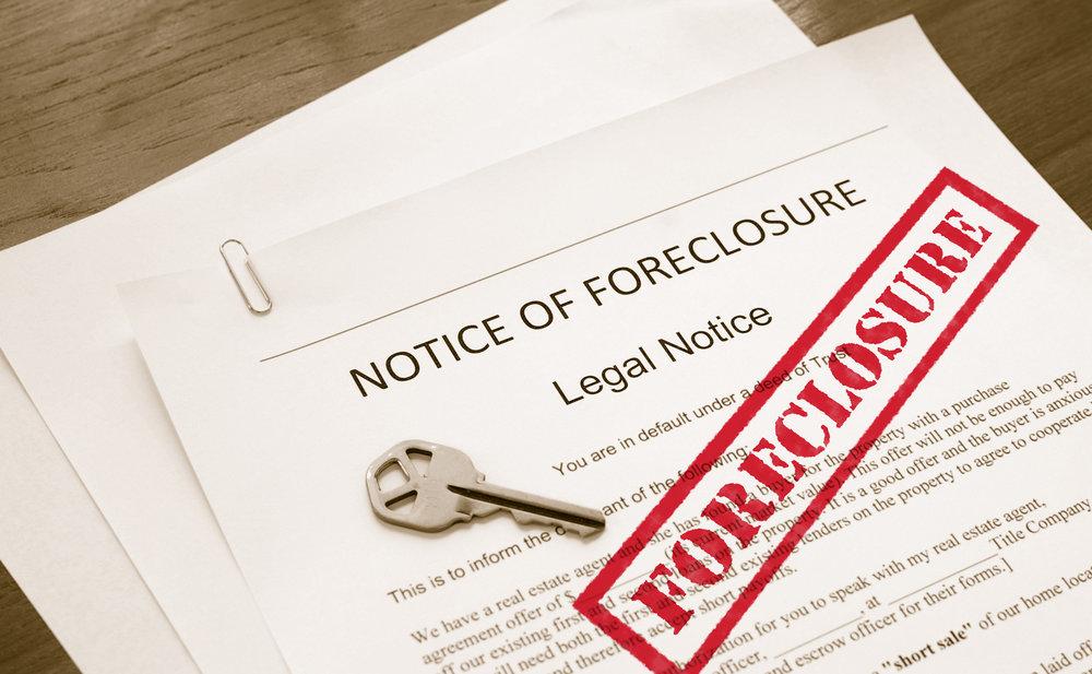foreclosures-440406.jpg