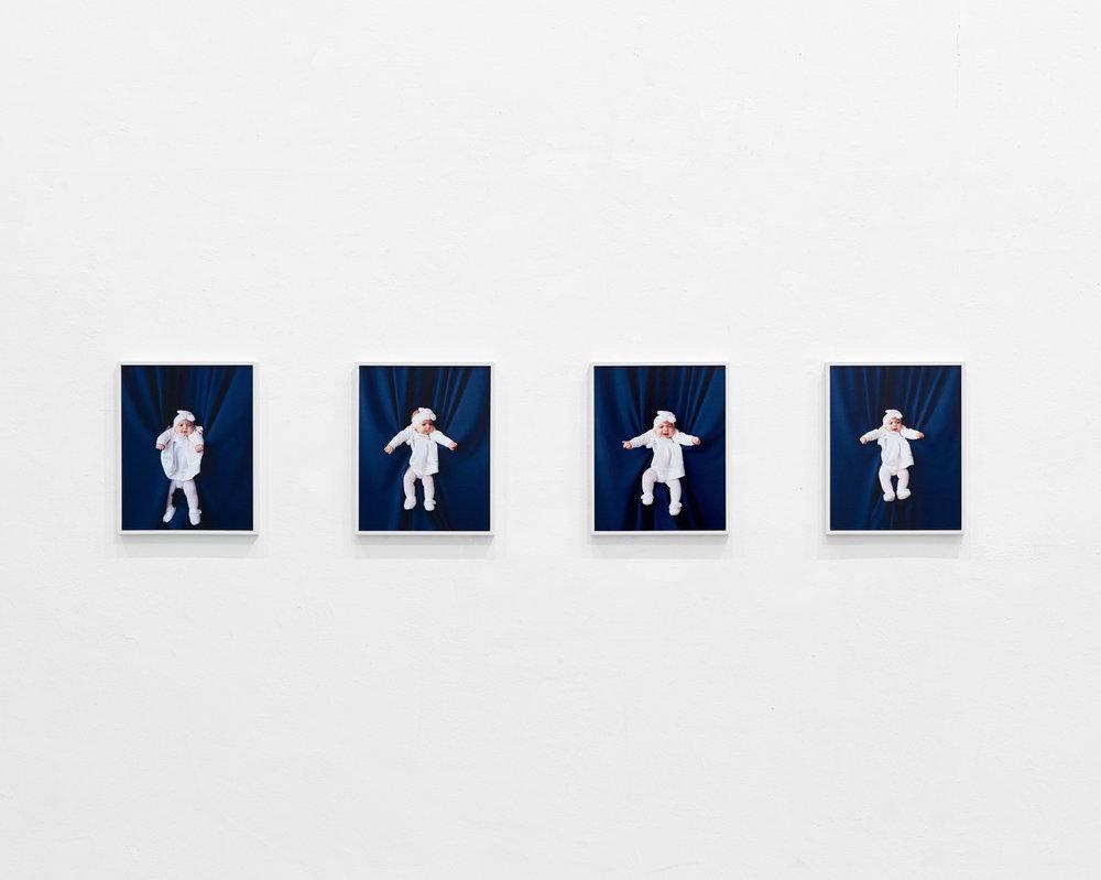 Baby in Taufkleid 1-4, 2016 C-Prints, je 45 x 36 cm