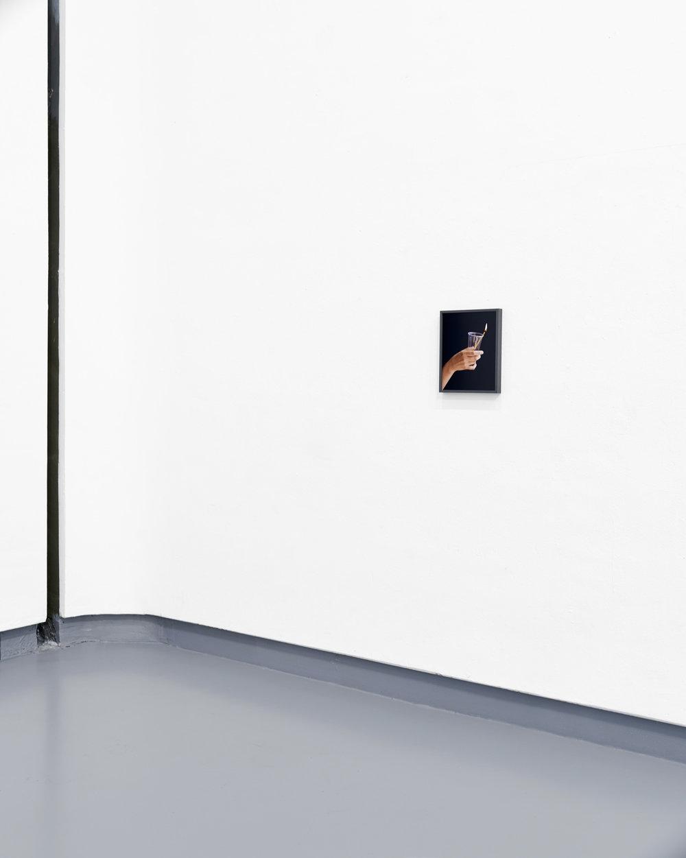 Hand und Kerze, 2016 C-Print, 30 x 24 cm