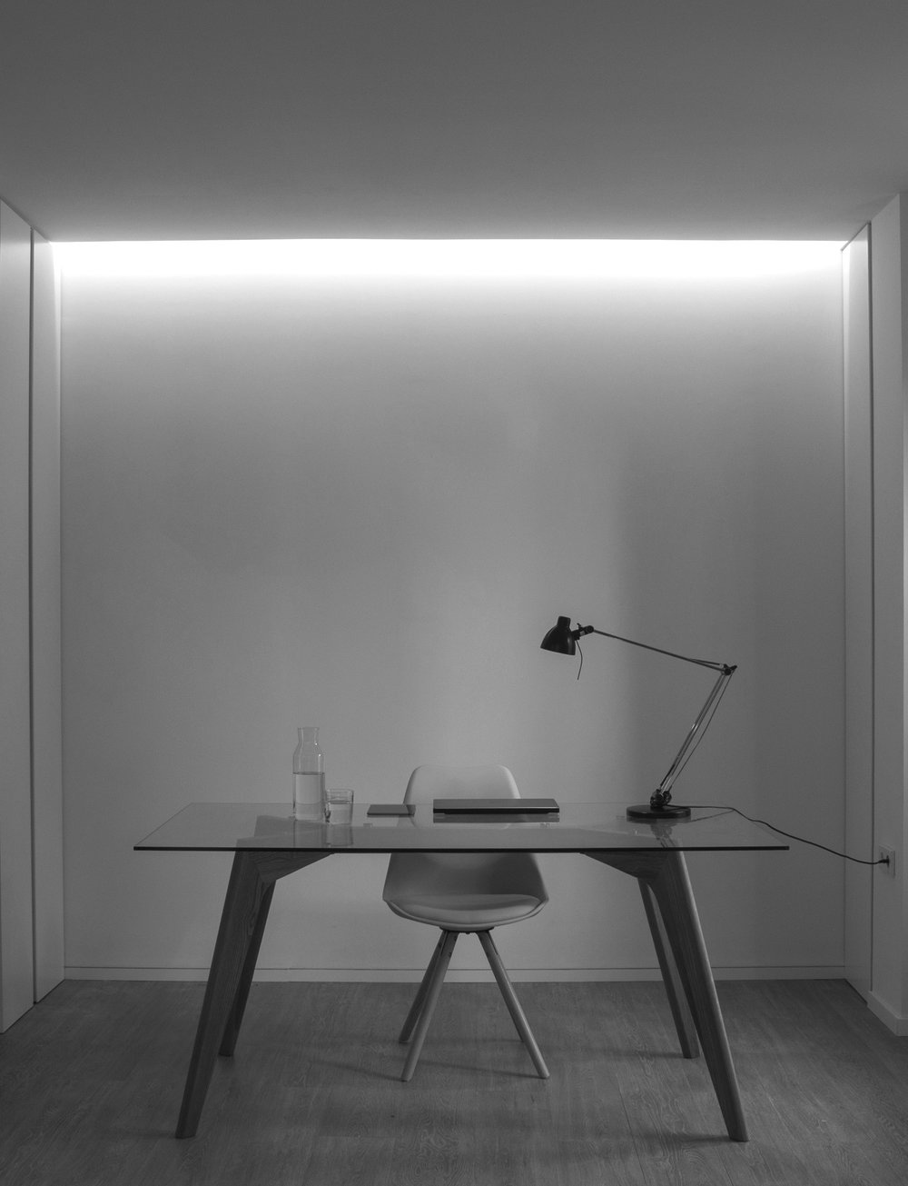 escritorio byn.jpg