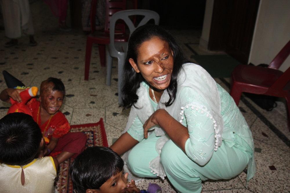 Supporting_acid_attack_survivors_in_Bangladesh_(6395599437).jpg