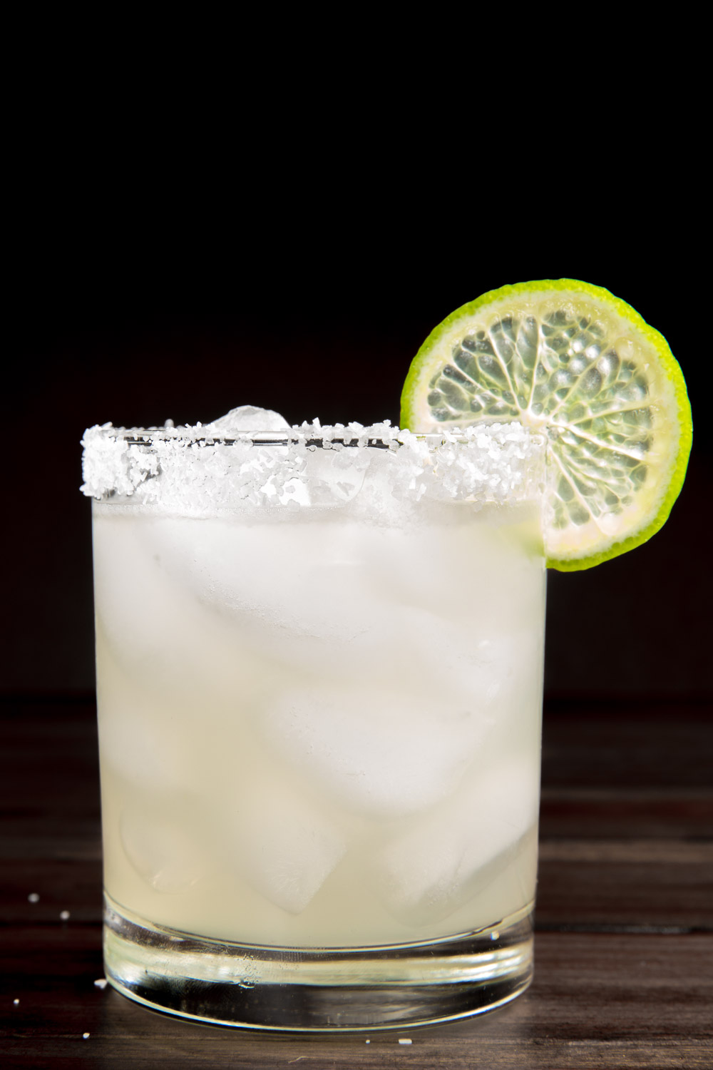 friends-with-booze-classic-margarita-with-a-salted-rim.jpg