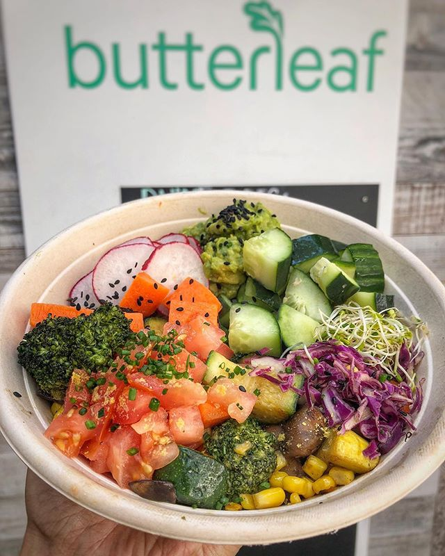 Stop in and let this veggie bowl take you to prom. 💃