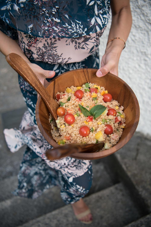 Ein frischer Couscous-Salat gehört auf das Buffet.
