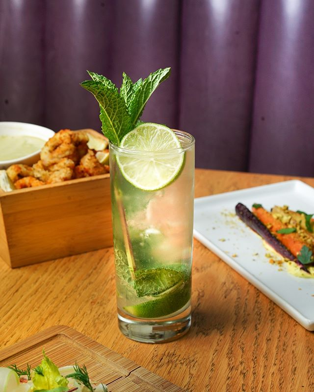 Celebrating St. Patrick's Day in Reyna style... get into the spirit with a brunch mojito, if you're lucky you might even find yourself a four leaf mint sprout 🍀