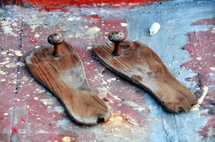 Saddhu shoes in Varanasi.JPG