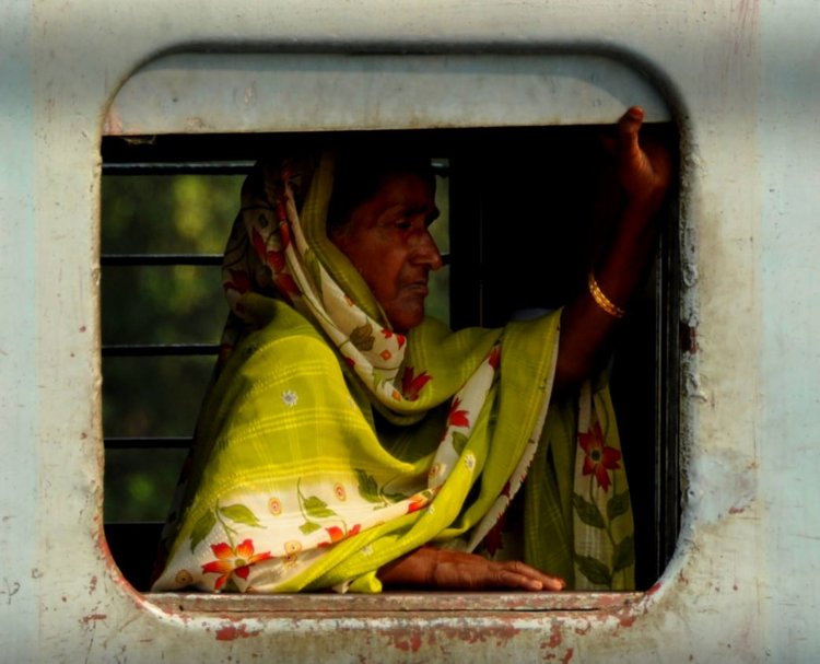 woman on train in Varanasi.JPG