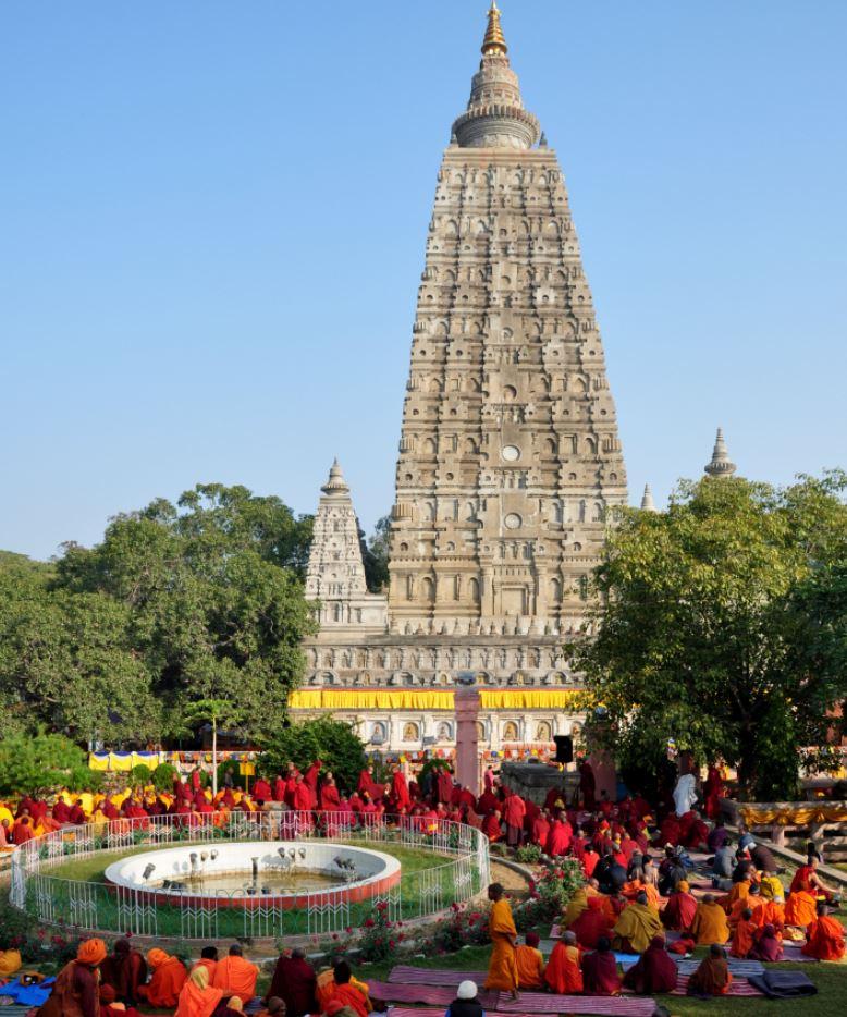 Mahabodhi Stupa, Bodhgaya.JPG