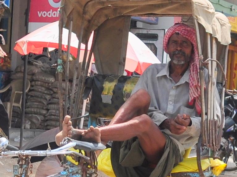 rickshaw driver in Bodhgaya.JPG