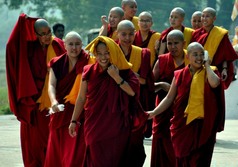 Tibetan nuns await the Karmapa at Tergar Temple in Bodhgaya.JPG