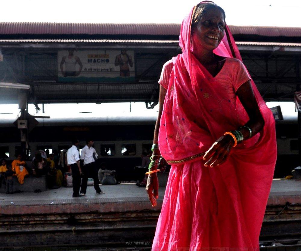 woman in sari at the Gaya train station, Bodhgaya.JPG