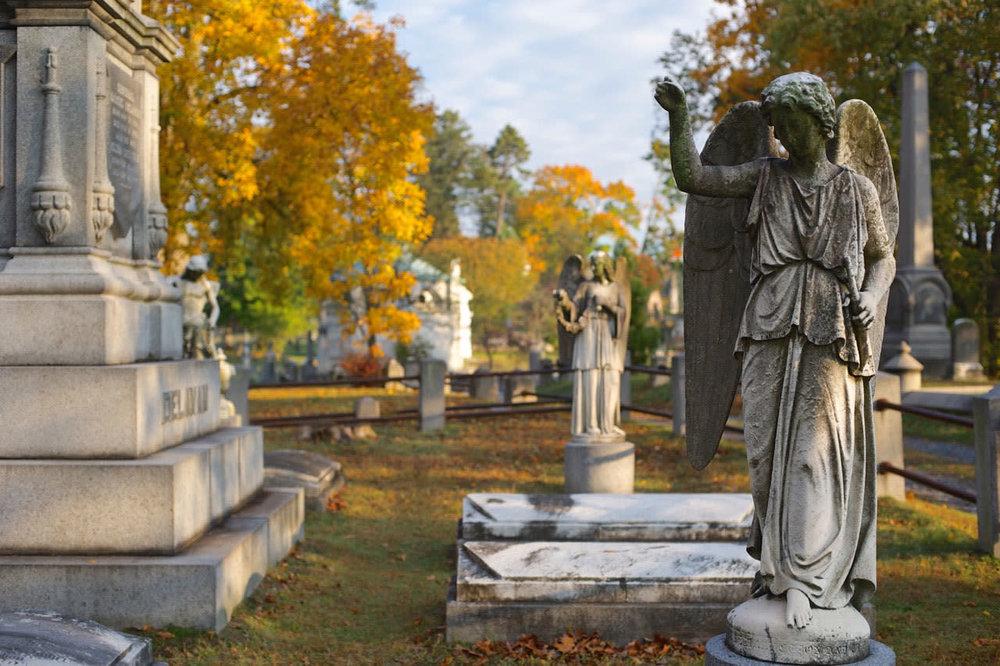 Sleepy-Hollow-Cemetery---Photo-by-Jim-Logan---Courtesy-of-Sleepy-Hollow-Cemetery-2-_242d492a-a462-35f2-9ab3d2b3191eaf5a.jpg