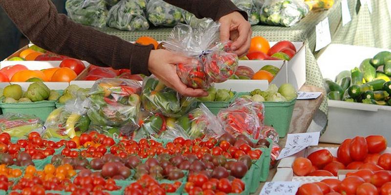 kelowna-farmers-market-okanagan-valley-vagabonds