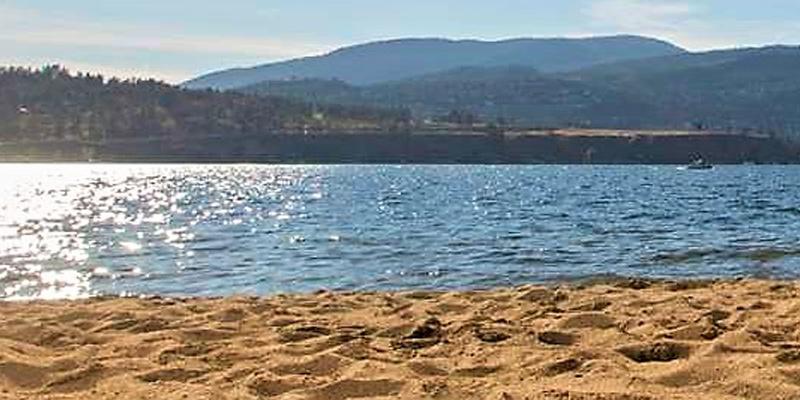 rotary-beach-park-kelowna-okanagan-valley-vagabonds