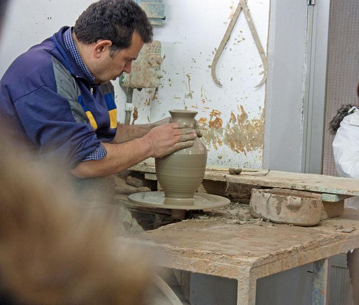 esa_pottery_class[1].jpg