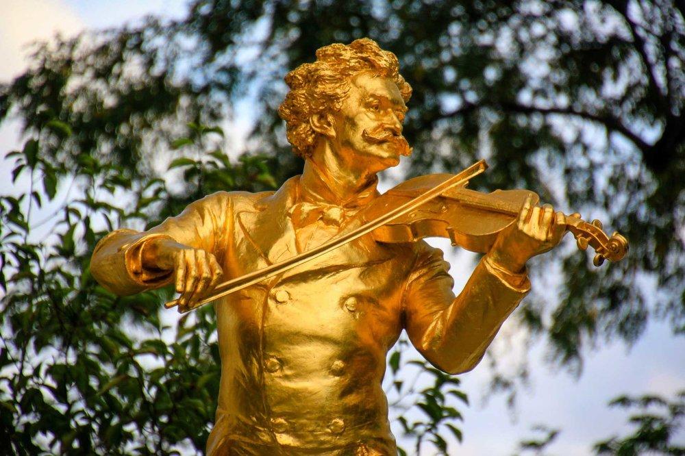 vienna-strauss-statue