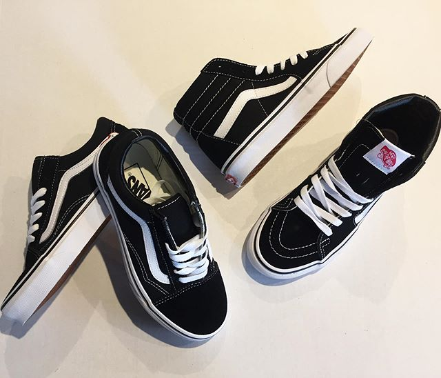 Stocked up on ladies classic Old Skool and SK8-HI Vans. . . . . #urbanesteamboat #steamboatsprings #vans #vansoldskool  #vanssk8hi #sk8hi #offthewall
