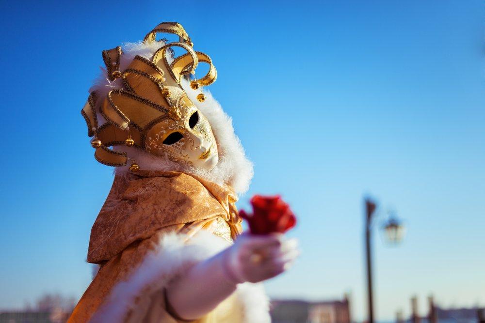 Venezianischer Maskenball - Meine sehr geehrten Damen & Herren,am 06.April.2019 erwartet Sie ein aufregender Abend, mit einem wundervollen Ambiente. Beim Einlass erhalten sie von uns ein prickelndes Begrüßungsgetränk. Der Herr bekommt von uns eine rote Rose geschenkt, die im Verlauf des Abends eine Rolle spielen wird. An diesem Abend haben wir für Sie zu dem passendem Ambiente eine Live Band organisiert. Somit gestalten wir für Sie einen unvergesslichen Abend.Datum: Sa, 06.04.2019Uhrzeit: Ab 19:00 UhrEintritt: 29,00€ p.P.Ort: Tanzschule Melissa Walter