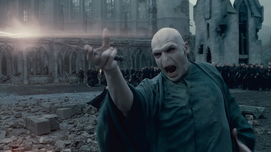 Ralph-Fiennes-in-Harry-Potter-and-the-Deathly-Hallows-Part-2-2011-Movie-Image-3.jpg