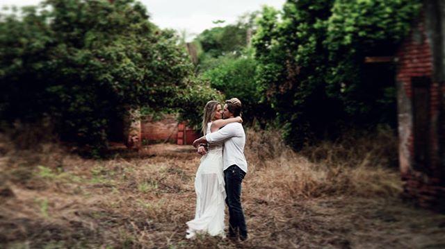 Nesse final de semana será a vez deles! Em breve vamos publicar o pré-wedding completo! 😍💕🎬 Letícia & Fernando #love #wedding #secretplaces #bride #noivas #casamento #lookslikefilm #frame #hapiness #showmotion