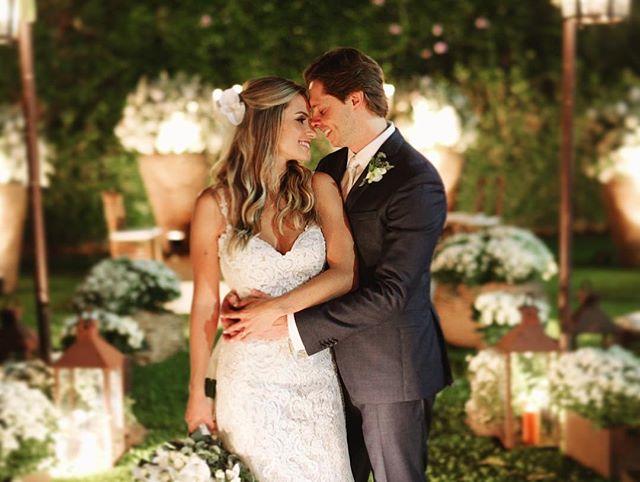 Mais um frame lindão do casamento que filmamos ontem em Ribeirão Preto! Letícia & Fernando 💕🎬🤟 #love #casamento #bride #hapiness #wedding #lookslikefilm #casamentoleleefe #showmotion