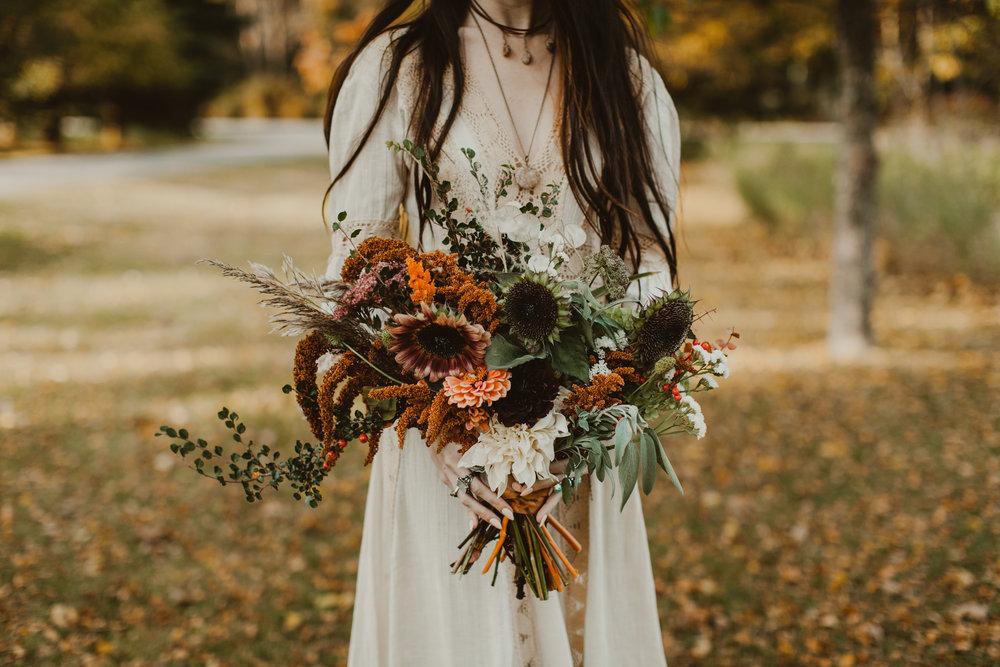 wisconsin wedding flowers stone jewelry