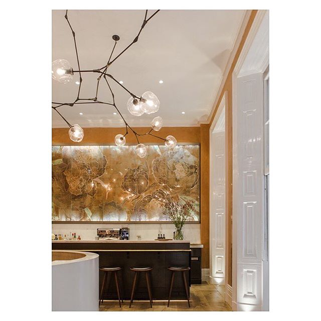 📸 @spring_ldn...repost  What a gorgeous photo of the reception and bar area @spring_ldn, we worked on with @skyegyngell, @lindseyadelman, @studiopeascod and Bryony Fitzgerald  #spring_london #springatsomersethouse #somersethouse #londonrestaurant #restaurantrefurbishment #londonarchitects #restaurantrefurbishment #riba #architects #interiors #interiordesigner #skyegingell #studiopeascod #lyndseyadelman #bar #reception #viewofthebar