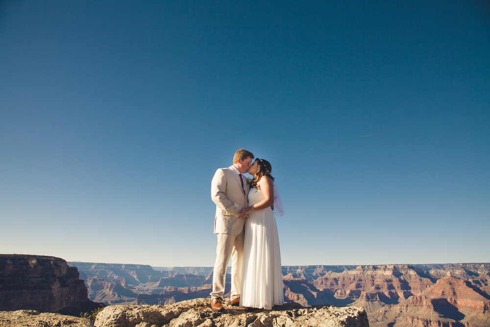 Grand Canyon wedding photographer at Granduer Point.