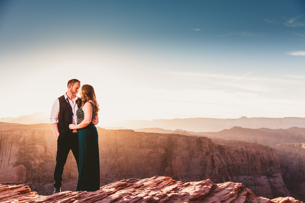Diana and Justin, Horseshoe Bend engagement. Click image to view slideshow.