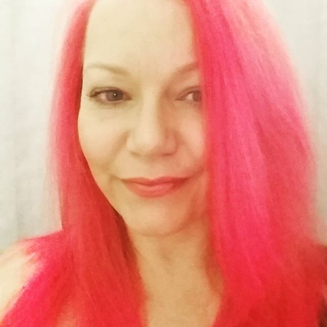 Think pink! Feel refreshed renewed and off to get some extensions and feathers added. One thing about being a serious healer is you don't have to be boring and grey you're supposed to uplift people. Life is for living and I choose to live it to the full. I've always been outrageous I can't stop now! #Hardcorehealing #doyouboo #pinkhair #pink #midlife #menopause #over40style #over40 #naturopath #nutritionaltherapist #healer #booism