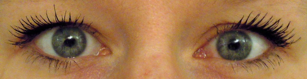 picture of YSL Mascara volume effect faux cils on lashes